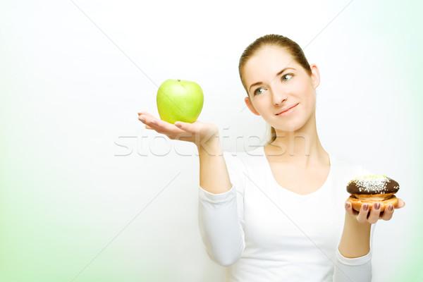 Kiezen appel cake groene schaduwen vrouw Stockfoto © yurok