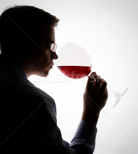 Borkóstolás fiatal szakértő mintavétel vörösbor bor Stock fotó © yurok