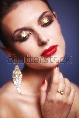Piękna brunetka portret kobiety młodych kobieta biżuteria Zdjęcia stock © zastavkin