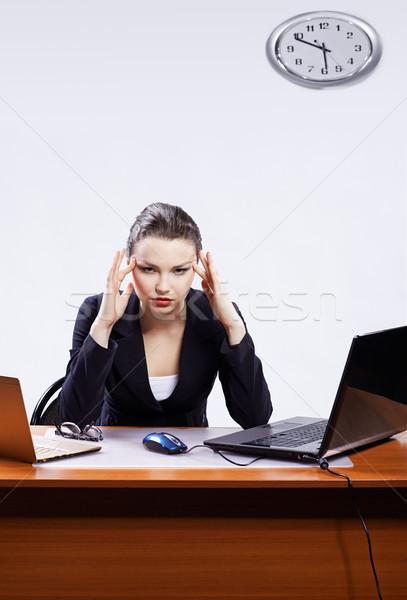 ストックフォト: 片頭痛 · オフィス · 肖像 · 美しい · 小さな · ビジネス女性