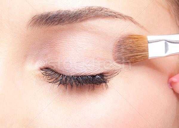 Göz makyajı genç güzel bir kadın makyaj göz Stok fotoğraf © zastavkin