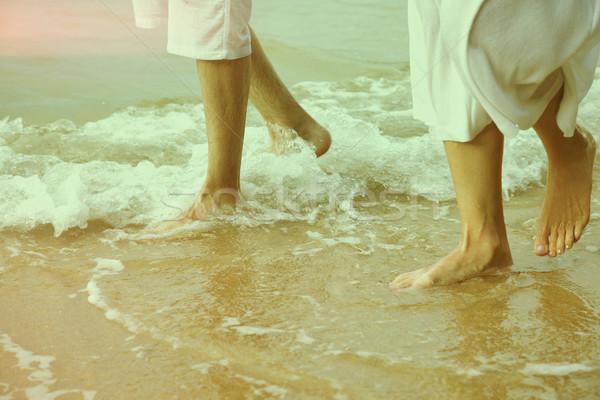 Instagram klasszikus pár tengerpart lábak portré Stock fotó © zastavkin