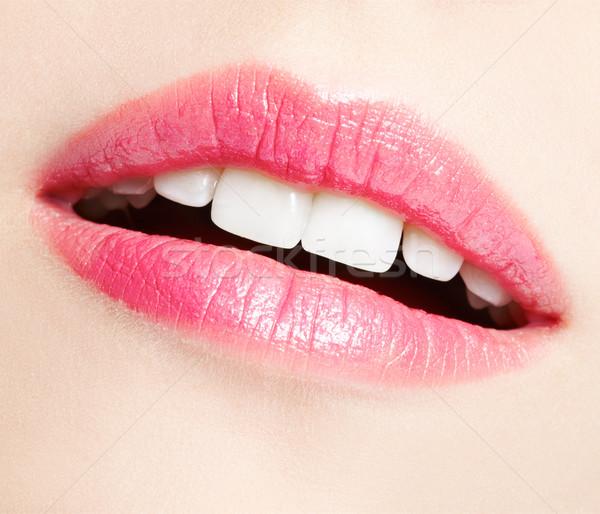 Lèvres maquillage portrait belle jeune femme Photo stock © zastavkin