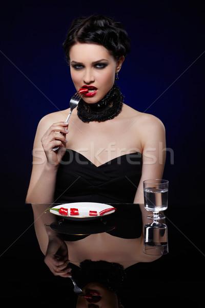 Belo morena mulher pimenta pimenta retrato Foto stock © zastavkin