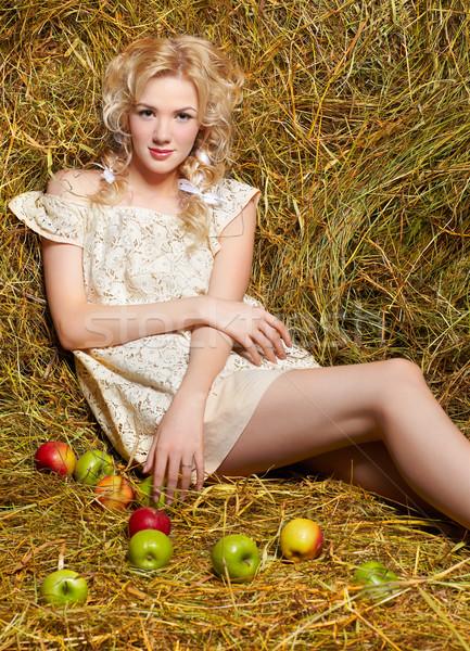 Fille de la campagne foin portrait belle jaune Photo stock © zastavkin