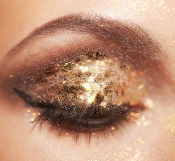 Göz makyajı yumuşak odak portre kadın Stok fotoğraf © zastavkin