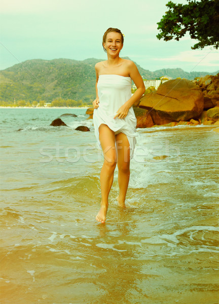 Instagram vintage menina praia retrato ao ar livre Foto stock © zastavkin