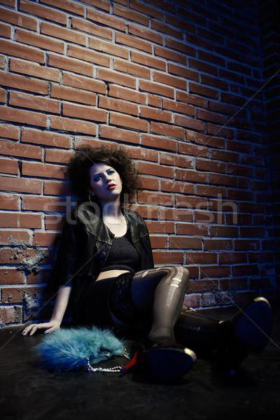 Prostytutka portret dziewczyna jak stwarzające murem Zdjęcia stock © zastavkin