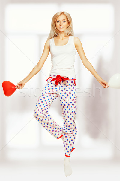 Springen vrouw blond jonge venster Rood Stockfoto © zastavkin