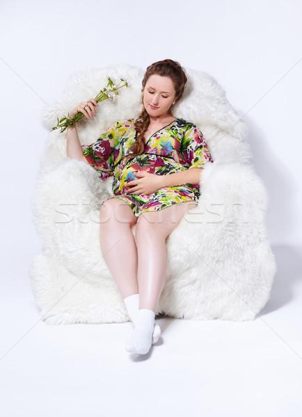 Femme enceinte fauteuil portrait jeunes belle blanche Photo stock © zastavkin