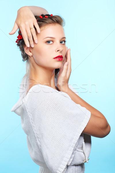 Belo morena retrato jovem mulher vermelho Foto stock © zastavkin