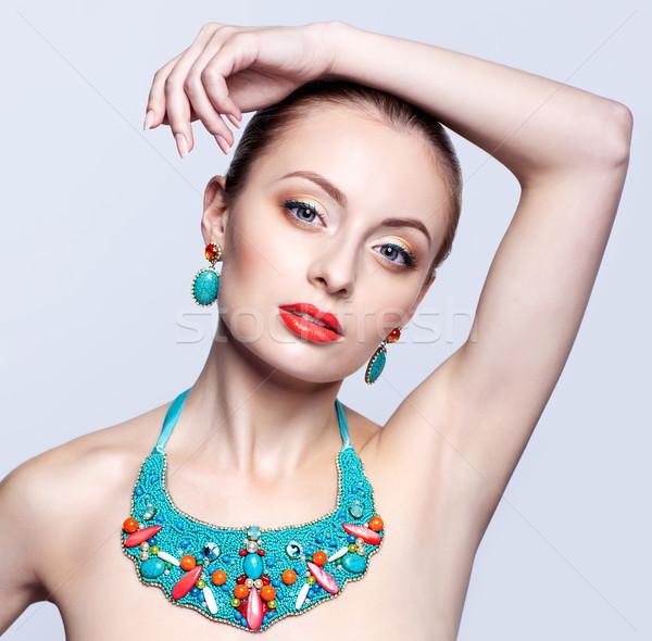 Güzel sarışın kadın bijuteri gri model mavi Stok fotoğraf © zastavkin