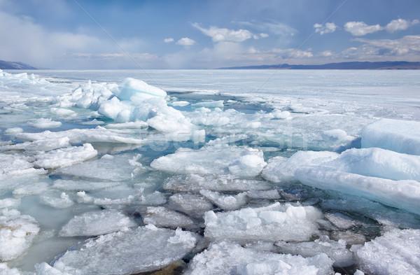 Kış açık görmek dondurulmuş göl gökyüzü Stok fotoğraf © zastavkin