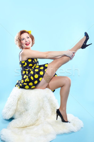Pinup fille portrait up style rétro posant Photo stock © zastavkin