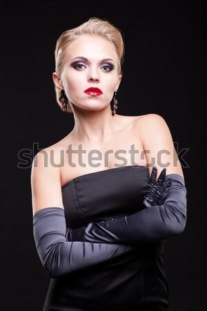 Belle brunette fille posant bleu Photo stock © zastavkin