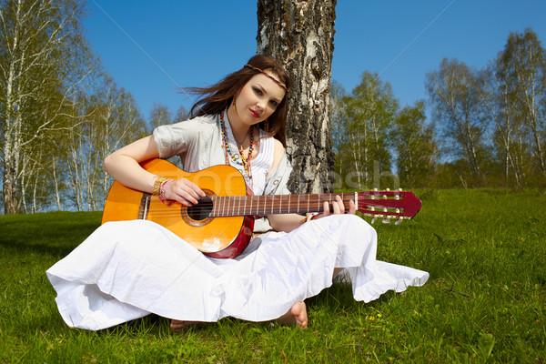 Belle hippie fille extérieur portrait séance Photo stock © zastavkin