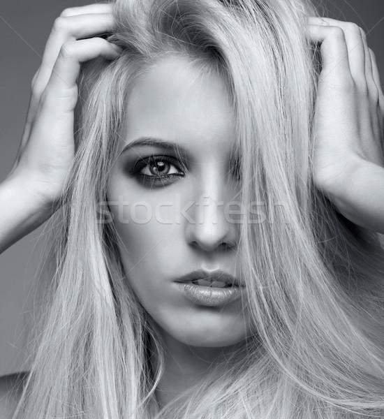 Mulher loira monocromático retrato mulher jovem cinza Foto stock © zastavkin