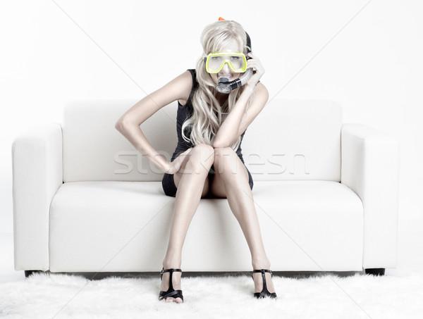 Vrouw scuba masker jonge blond bank Stockfoto © zastavkin
