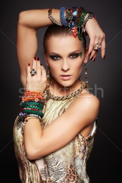 Bela mulher retrato belo jovem morena mulher Foto stock © zastavkin