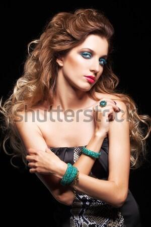 Brunetka kobieta lustra portret młodych piękna kobieta Zdjęcia stock © zastavkin