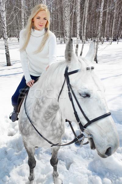 Gyönyörű lány ló szabadtér portré gyönyörű szőke nő Stock fotó © zastavkin