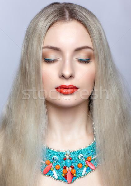 Belle femme blonde bijouterie cheveux longs femme Photo stock © zastavkin