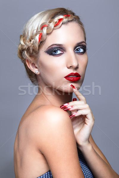 Fiatal nő vörös körmök fiatal szőke nő hajviselet szürke Stock fotó © zastavkin