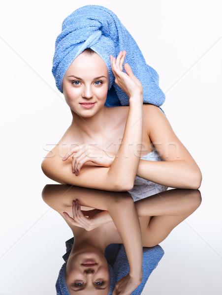 Fürdő nő tükör asztal fiatal csinos Stock fotó © zastavkin