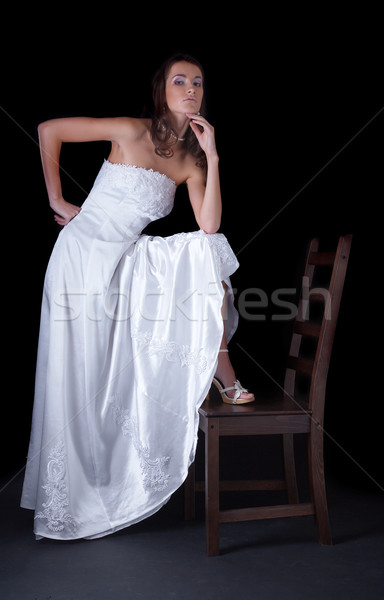 Belle mariée jeune femme robe de mariée noir une Photo stock © zastavkin