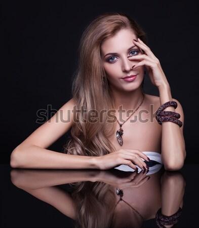 Zdjęcia stock: Przepiękny · portret · kobiety · piękna · brunetka · kobieta · czarny