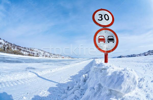 Trafik işareti buz bulutlar doğa kar imzalamak Stok fotoğraf © zastavkin