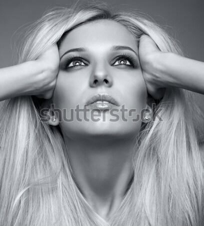 Meztelen nő hosszú vörös haj portré gyönyörű Stock fotó © zastavkin