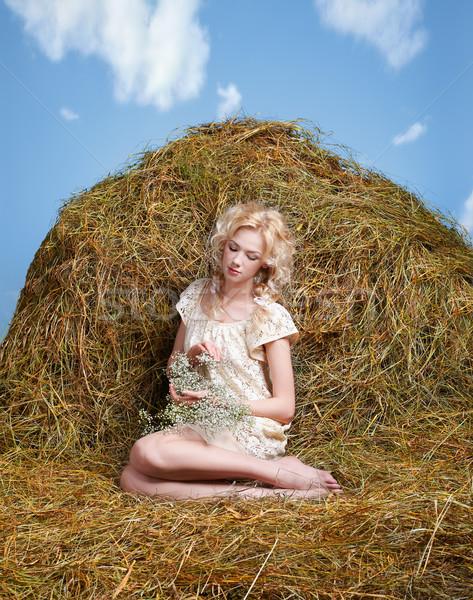 Stok fotoğraf: ülke · kız · saman · portre · güzel · sarı