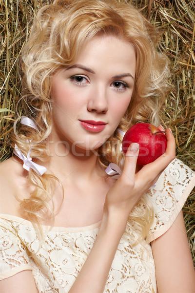 Chica de campo heno retrato hermosa amarillo Foto stock © zastavkin