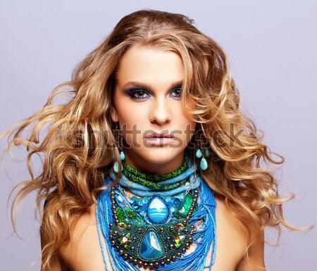 Mulher bijuteria retrato belo mulher jovem cabelos cacheados Foto stock © zastavkin