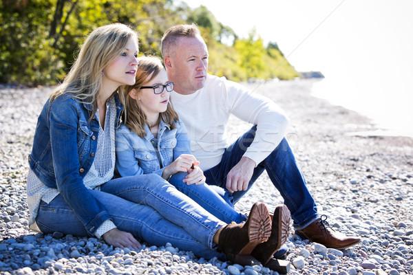 Lezser fiatal család tengerpart három anya Stock fotó © zdenkam