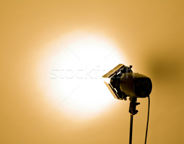 Stüdyo ışık boş flaş turuncu teknoloji Stok fotoğraf © zdenkam