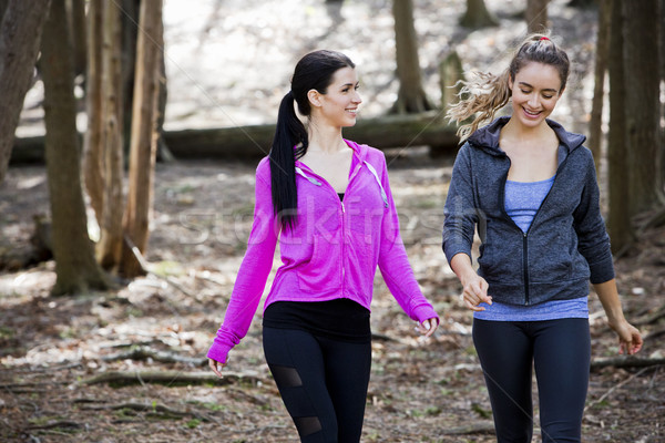 Dwie kobiety lesie młodych dopasować kobiet Zdjęcia stock © zdenkam