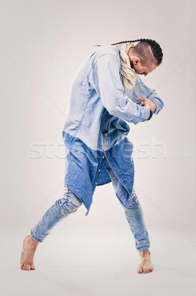 Mannelijke tijdgenoot hip hop danser denim kaukasisch Stockfoto © zdenkam
