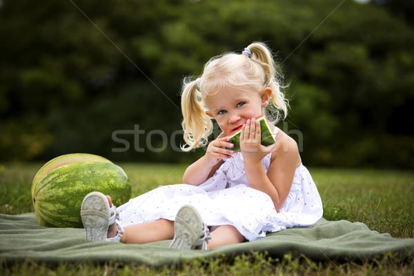 Portré kislány eszik görögdinnye fiatal kaukázusi Stock fotó © zdenkam