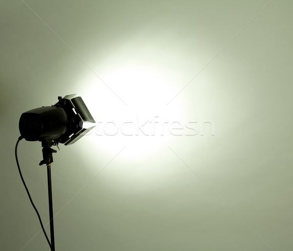 Studio lumière vide flash vert clair technologie Photo stock © zdenkam