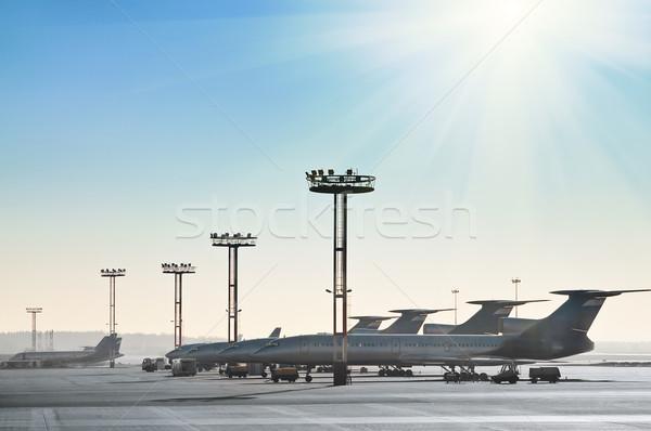 Aviones pista puesta de sol seguridad avión industria Foto stock © zeffss