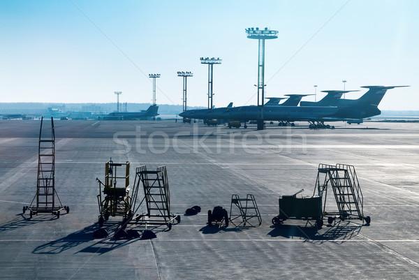 Repülőgép föld legénység naplemente biztonság ipar Stock fotó © zeffss