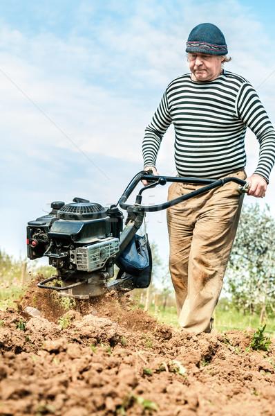 Gazda mező traktor munka tájkép háttér Stock fotó © zeffss
