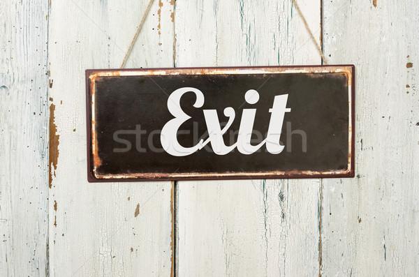 Oude metaal teken witte houten muur Stockfoto © Zerbor