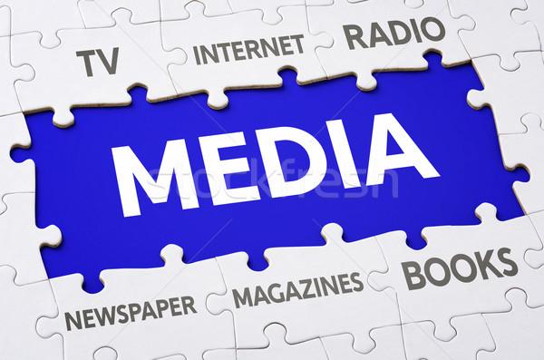 Foto stock: Texto · piezas · del · rompecabezas · los · medios · de · comunicación · noticias · signo · radio