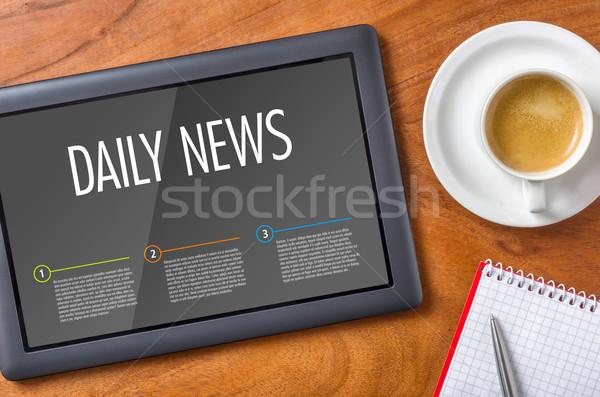 タブレット 木製 デスク 日々 ニュース ビジネス ストックフォト © Zerbor