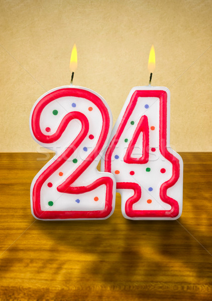 égő születésnapi gyertyák szám 24 fa felirat Stock fotó © Zerbor