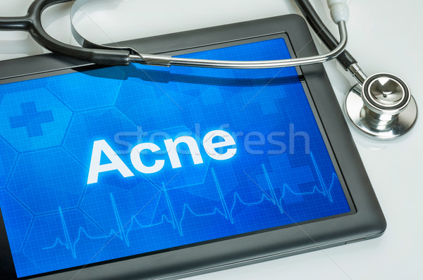 Tablet diagnose acne display computer arts Stockfoto © Zerbor