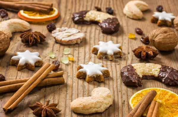 Christmas cookies hout boord noten cookie Stockfoto © Zerbor